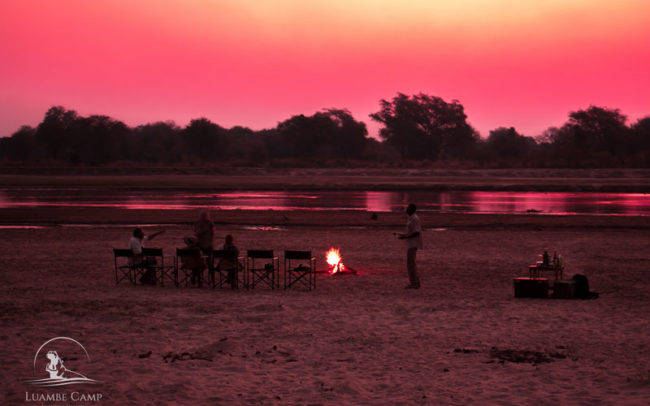 Outdoor dining in the Luangwa Valley